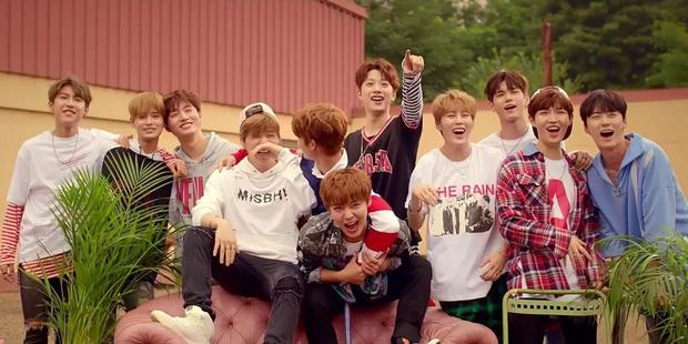 SNSD, BIGBANG ra chuồng gà; BTS, EXO, BLACKPINK, Red Velvet lại góp mặt đủ trong danh sách Bài hát của thập kỷ hay nhất Kpop theo từng năm? - Ảnh 15.