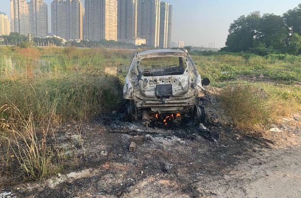 Nóng: Truy xét vụ giết người cướp tài sản sau đó đốt xe ô tô phi tang ở Sài Gòn - Ảnh 1.