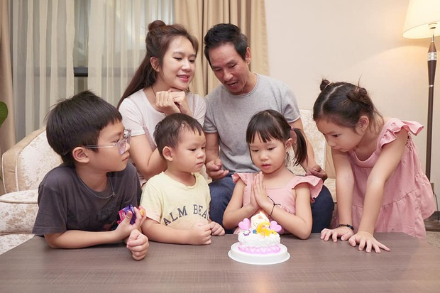 Lý Hải - Minh Hà tổ chức sinh nhật con gái, nhìn cả nhà chung khung hình đúng chuẩn gia đình đông nhóc tỳ nhất Vbiz! - Ảnh 1.