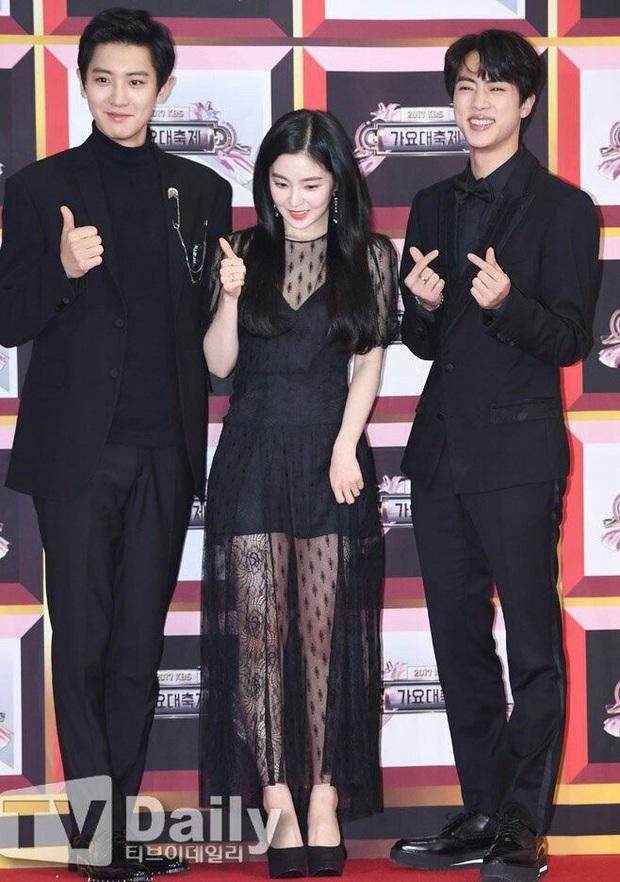 Chuyện tình bromance trớ trêu nhất: Chanyeol lỡ rơi vào lưới tình của Jin, biến Irene - Dahyun thành người thừa - Ảnh 4.