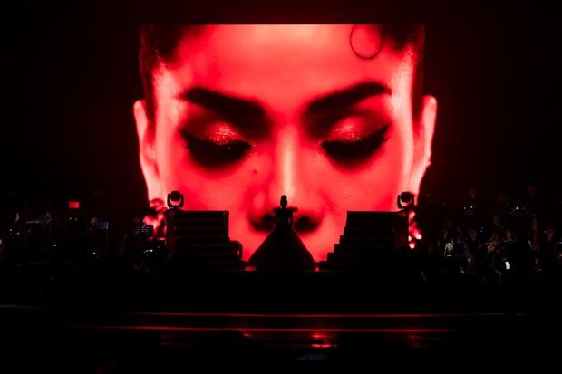 Có gì trong Q Show 2 đầu tư 30 tỷ của Lệ Quyên: Sân khấu công nghệ sử dụng nhân tượng và 5 chương âm nhạc đẹp như trong cổ tích - Ảnh 1.