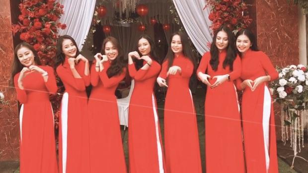 Vợ Phan Văn Đức xinh đẹp trong đám hỏi, khoe dàn phù dâu nhan sắc không phải dạng vừa - Ảnh 3.