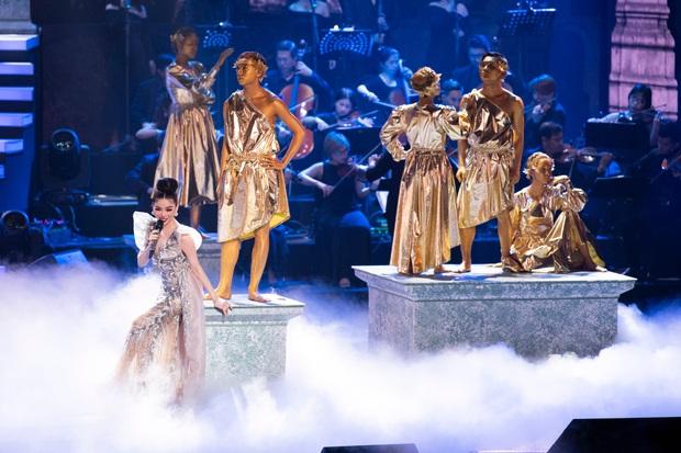 Có gì trong Q Show 2 đầu tư 30 tỷ của Lệ Quyên: Sân khấu công nghệ sử dụng nhân tượng và 5 chương âm nhạc đẹp như trong cổ tích - Ảnh 10.