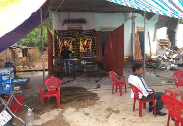Hiện trường vụ nổ kinh hoàng tại Nghệ An khiến 2 cha con tử vong, con dâu sẩy thai - Ảnh 15.
