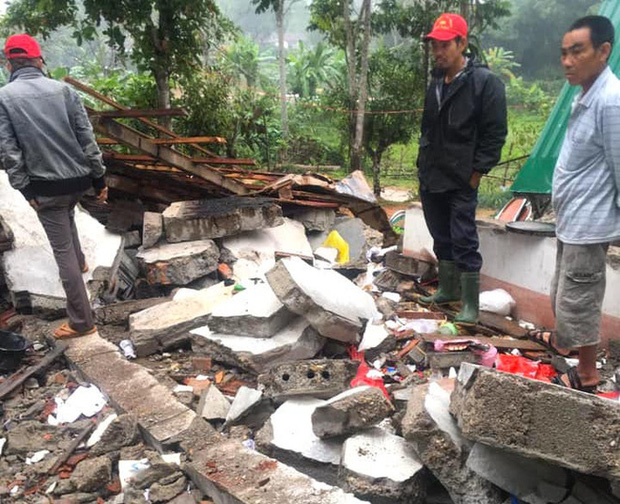 Hiện trường vụ nổ kinh hoàng tại Nghệ An khiến 2 cha con tử vong, con dâu sẩy thai - Ảnh 5.