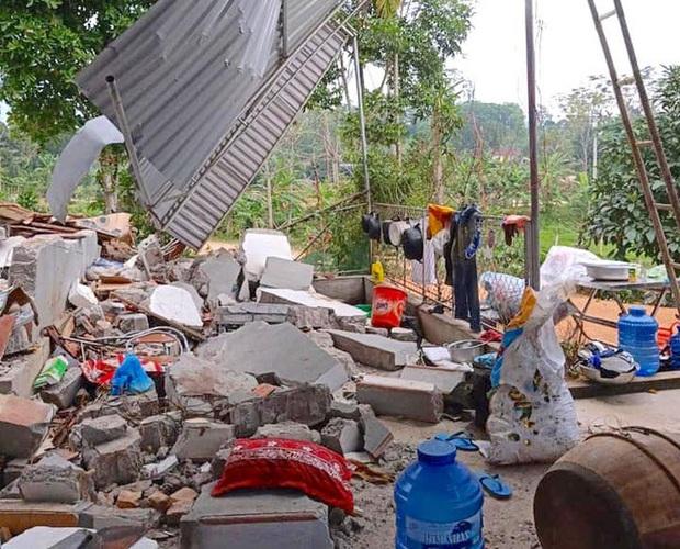 Hiện trường vụ nổ kinh hoàng tại Nghệ An khiến 2 cha con tử vong, con dâu sẩy thai - Ảnh 8.
