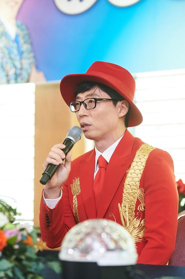 Xót xa phản ứng của Yoo Jae Suk khi lên tiếng về nghi án quấy rối tình dục ở họp báo, đến phóng viên Hàn còn thấy thương - Ảnh 1.