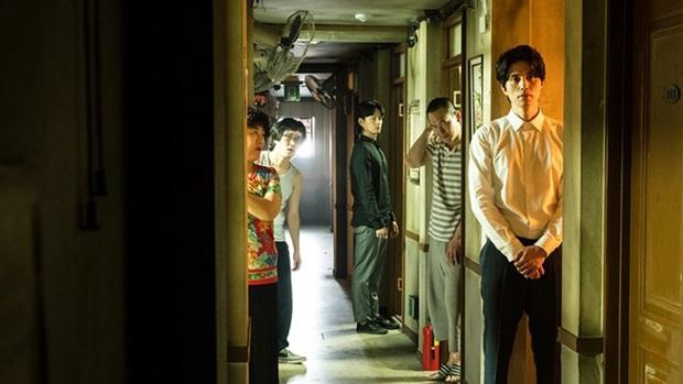 """6 phim Hàn 2019 khiến khán giả """"tiếc hùi hụi"""" vì thành tích chưa tương xứng với chất lượng - Ảnh 14."""