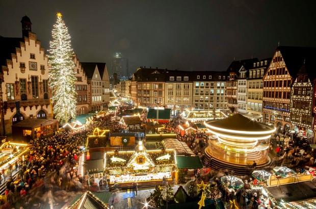 Mục sở thị những địa điểm được coi là thiên đường đón Giáng sinh trên thế giới - Ảnh 10.