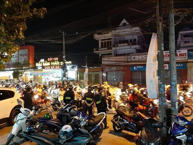 Toàn đen cầm đầu nhóm giang hồ khống chế uy hiếp giám đốc bệnh viện Tâm Hồng Phước đòi nợ bị khởi tố - Ảnh 3.