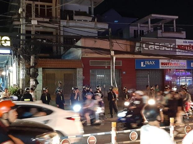 Toàn đen cầm đầu nhóm giang hồ khống chế uy hiếp giám đốc bệnh viện Tâm Hồng Phước đòi nợ bị khởi tố - Ảnh 2.