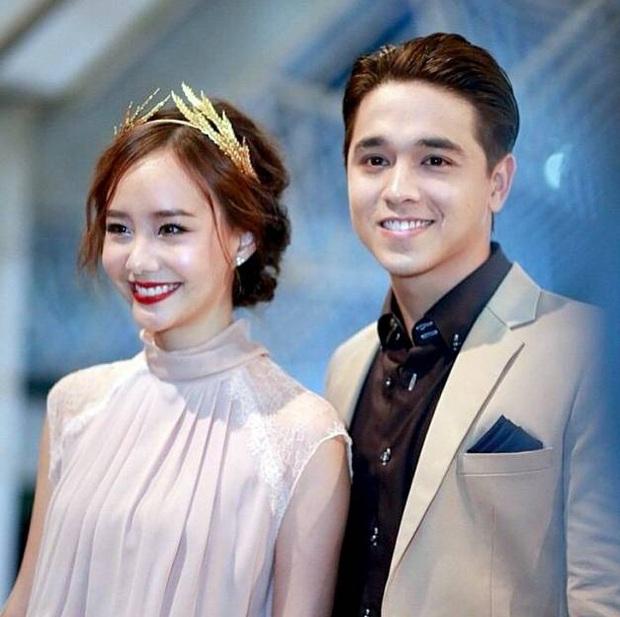 5 màn đổi người yêu chấn động showbiz Thái: Mario Maurer và tài tử Tình yêu không có lỗi chưa sốc bằng mợ chảnh - Ảnh 29.