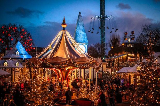 Mục sở thị những địa điểm được coi là thiên đường đón Giáng sinh trên thế giới - Ảnh 5.