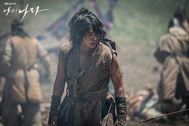 """6 phim Hàn 2019 khiến khán giả """"tiếc hùi hụi"""" vì thành tích chưa tương xứng với chất lượng - Ảnh 9."""