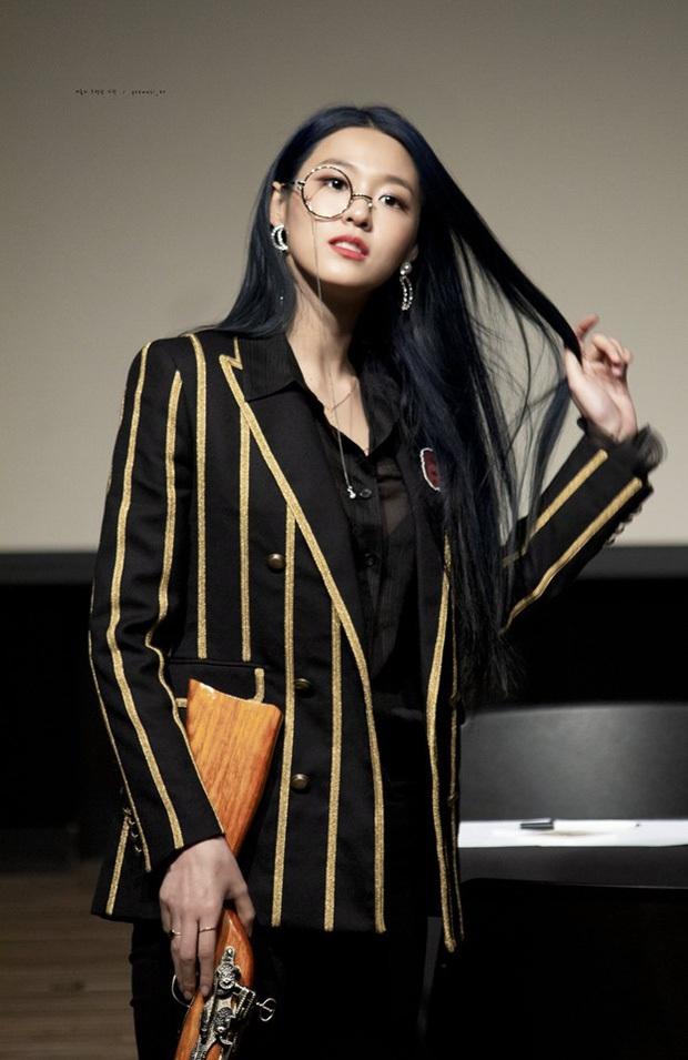 30 nữ idol hot nhất hiện nay: Top 3 toàn mỹ nhân sexy Kpop, nhưng ai đỉnh đến mức 5 lần 7 lượt vượt mặt Jennie? - Ảnh 3.