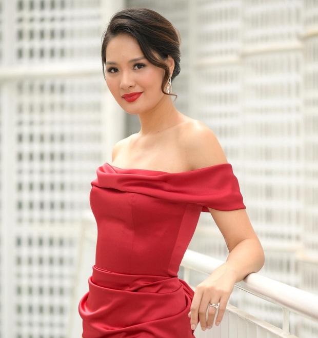Top 3 Hoa hậu Hoàn vũ, H'Hen Niê, Hương Giang đọ sắc bất phân cùng khung hình, netizen dán mắt vào chân dài của 5 người - Ảnh 4.