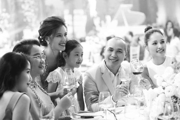 MC Mỹ Linh bí mật tổ chức đám cưới, gây chú ý với khách mời đình đám Minh Hằng, Khả Ngân và dàn sao Vbiz - Ảnh 3.