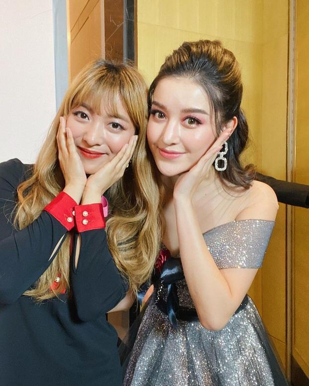 Huyền My khoe ảnh selfie bên nữ idol Kpop Luna f(x), 2 mỹ nhân Việt - Hàn đọ sắc bất phân thắng bại chung khung hình - Ảnh 1.
