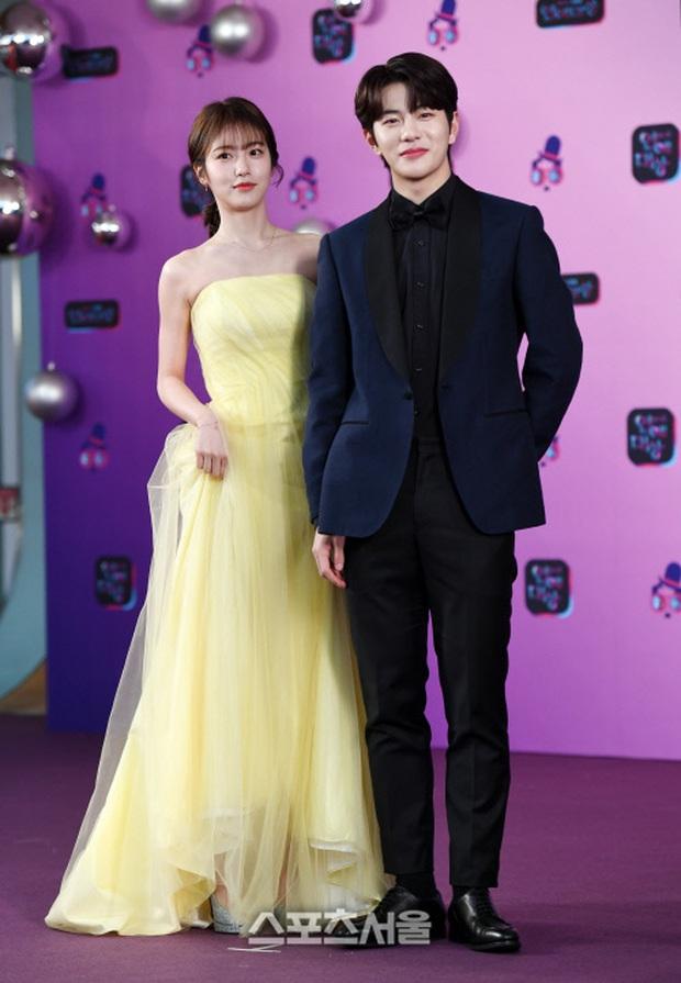 Thảm đỏ KBS Entertainment Awards: Yoo Jae Suk lộ diện hậu bê bối, mỹ nhân Vườn sao băng lấn át Apink và quân đoàn sao - Ảnh 18.