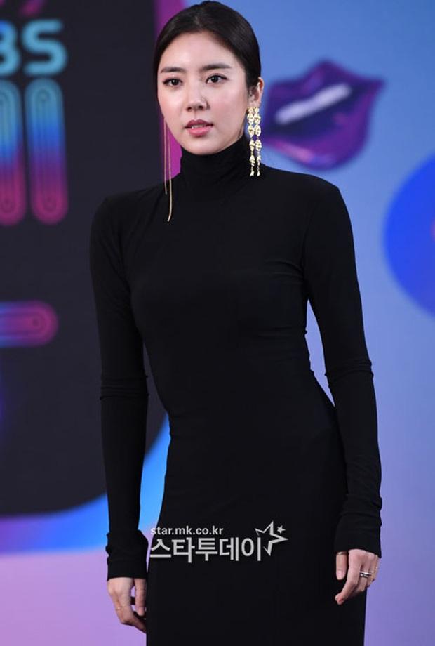 Thảm đỏ KBS Entertainment Awards: Yoo Jae Suk lộ diện hậu bê bối, mỹ nhân Vườn sao băng lấn át Apink và quân đoàn sao - Ảnh 10.