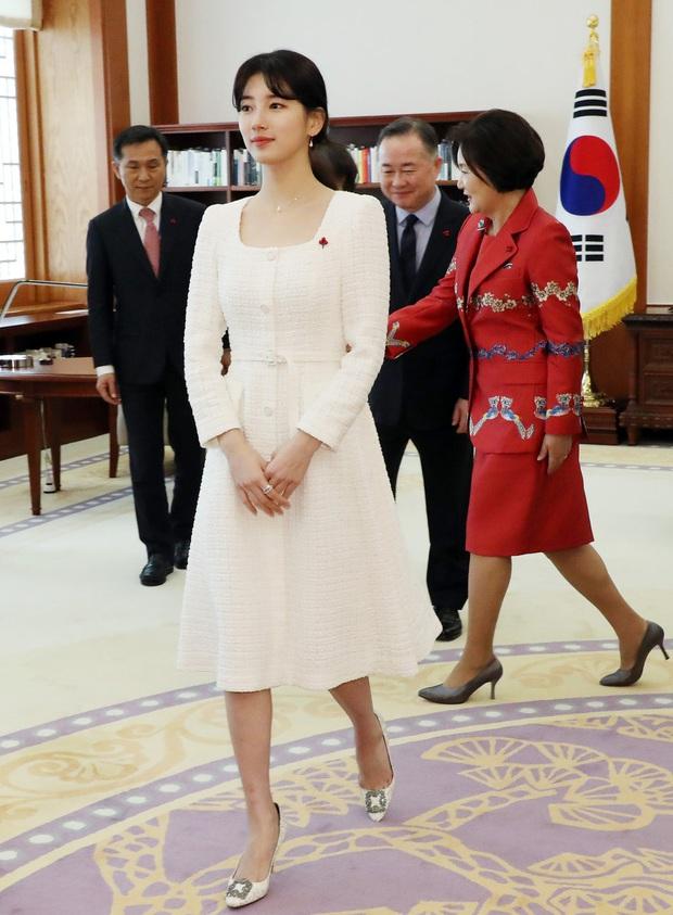 Dàn sao Hàn hiếm hoi dự sự kiện bên Tổng thống: Song Song và Yoona - Suzy mê hồn dù giản dị, BTS đúng là khác biệt! - Ảnh 15.