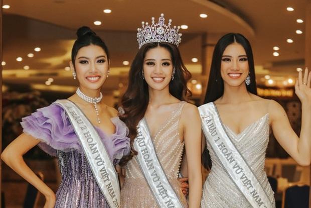 Top 3 Hoa hậu Hoàn vũ, H'Hen Niê, Hương Giang đọ sắc bất phân cùng khung hình, netizen dán mắt vào chân dài của 5 người - Ảnh 3.