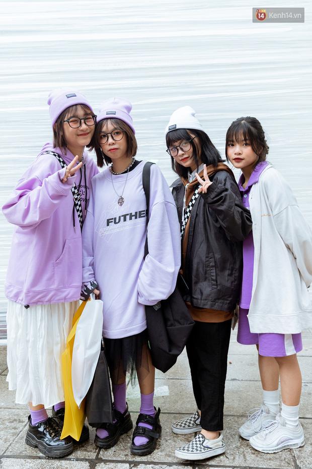 Street style giới trẻ tại The New District Hà Nội: Ai cũng quẩy đồ ngầu lòi lăng xê áo phao, áo nỉ, mặc càng ấm lại càng chất! - Ảnh 10.