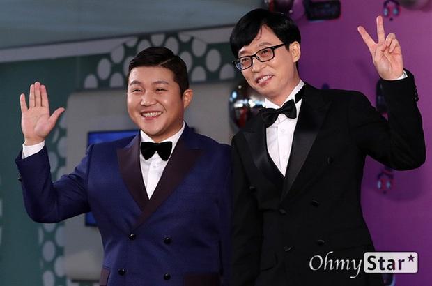 Thảm đỏ KBS Entertainment Awards: Yoo Jae Suk lộ diện hậu bê bối, mỹ nhân Vườn sao băng lấn át Apink và quân đoàn sao - Ảnh 34.