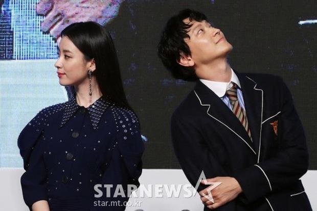 Muôn kiểu mỹ nhân châu Á bị tránh như tránh tà: Suzy - Irene đẹp quá khó gần, Phạm Băng Băng và Seohyun bị phũ đến khổ - Ảnh 9.