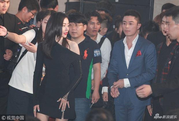 Muôn kiểu mỹ nhân châu Á bị tránh như tránh tà: Suzy - Irene đẹp quá khó gần, Phạm Băng Băng và Seohyun bị phũ đến khổ - Ảnh 19.