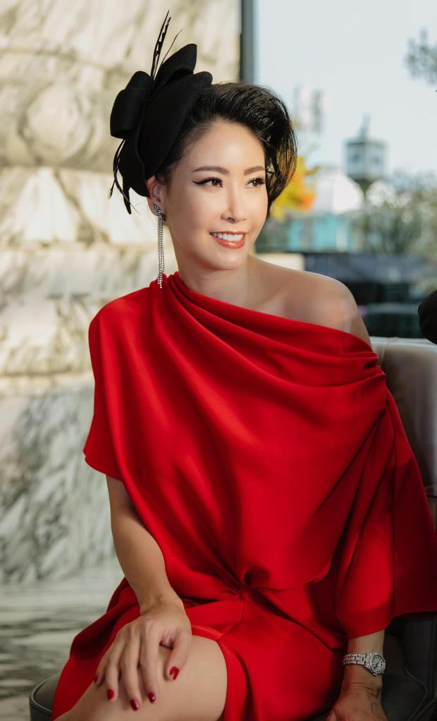 Đỉnh cao nhan sắc dàn Hoa hậu đăng quang cả thập kỷ: U40, U50 vẫn đẹp ngỡ ngàng, Mai Phương Thúy táo bạo nhất - Ảnh 2.