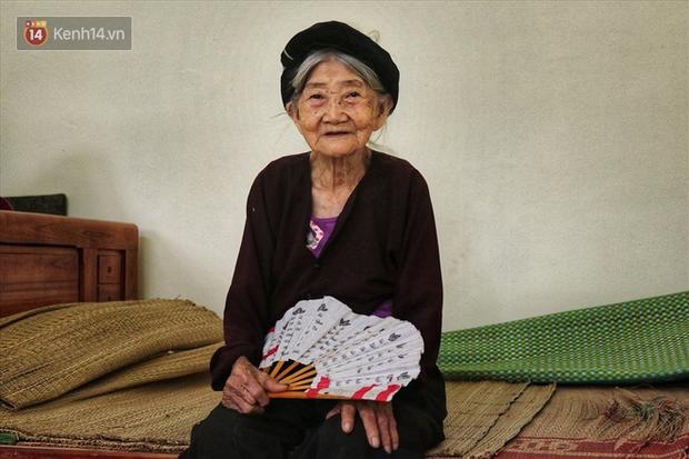 """Về xã """"trường thọ"""" Hà Nam để nghe những câu chuyện tình của các cụ 100 tuổi, hằng ngày vẫn đi bộ cả cây số - Ảnh 2."""