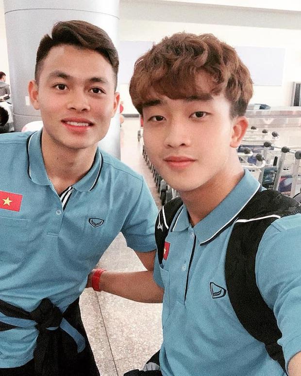 Đang tập trung đội tuyển, hot boy U23 Việt Nam bất ngờ nhận được lệnh gọi khám nghĩa vụ quân sự - Ảnh 3.