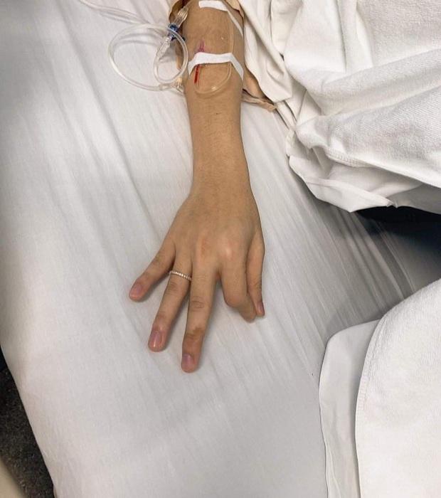 Rò rỉ ảnh Jack truyền nước biển trong bệnh viện, tỉnh dậy vẫn nghĩ tới fan: Giờ họ lấy gì thì lấy, chỉ cần tha cho anh, fan của anh thôi - Ảnh 1.