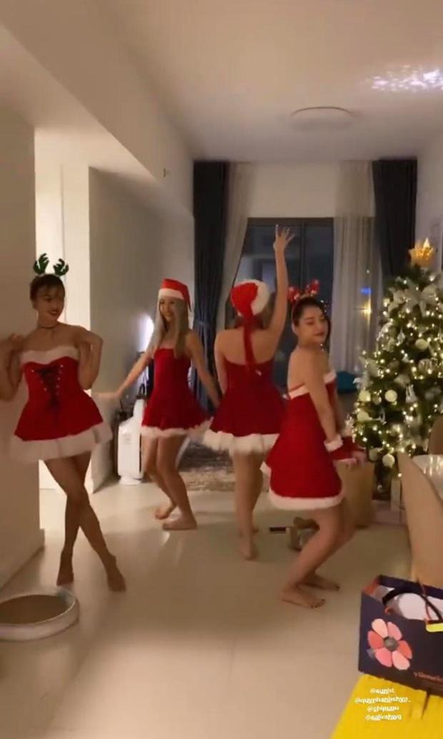 Đang tiệc quẩy Noel, hội chị em Chi Pu lại rủ nhau ăn… bánh chưng rán: Chẳng hiểu là Giáng sinh hay Tết nữa! - Ảnh 3.
