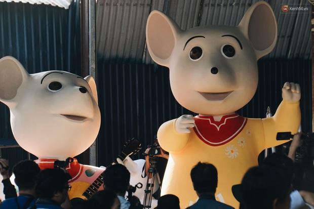 Ngắm đàn chuột chuẩn bị ra đường hoa Nguyễn Huệ biểu diễn mừng Tết Canh Tý 2020 - Ảnh 2.