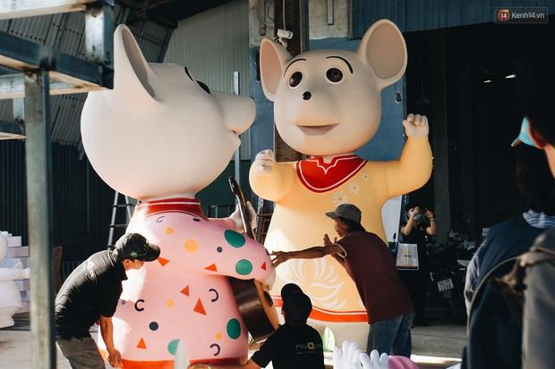 Ngắm đàn chuột chuẩn bị ra đường hoa Nguyễn Huệ biểu diễn mừng Tết Canh Tý 2020 - Ảnh 1.