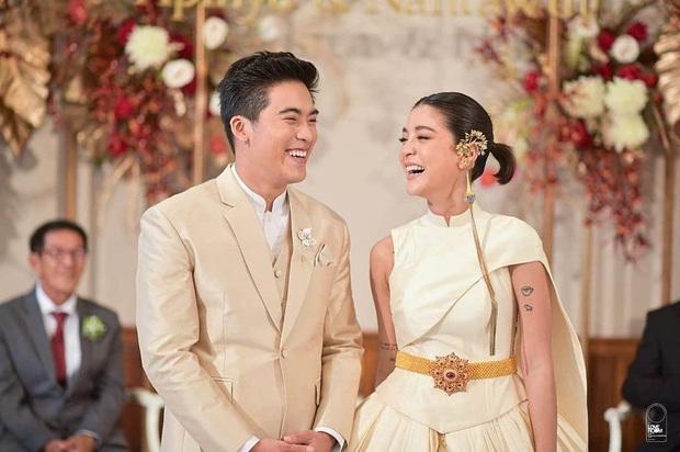 Showbiz Thái 2019: Chảo lửa lùm xùm sao tử vong bí ẩn đến ngoại tình và cái kết viên mãn với loạt bom tấn gây bão châu Á - Ảnh 28.