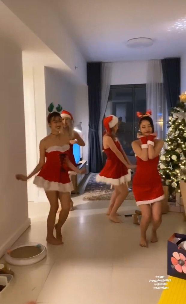 Sao Vbiz tất bật chuẩn bị đón Noel: Người trang hoàng nhà cửa lộng lẫy, người háo hức đưa hội nhóc tỳ xuống phố vui chơi! - Ảnh 6.