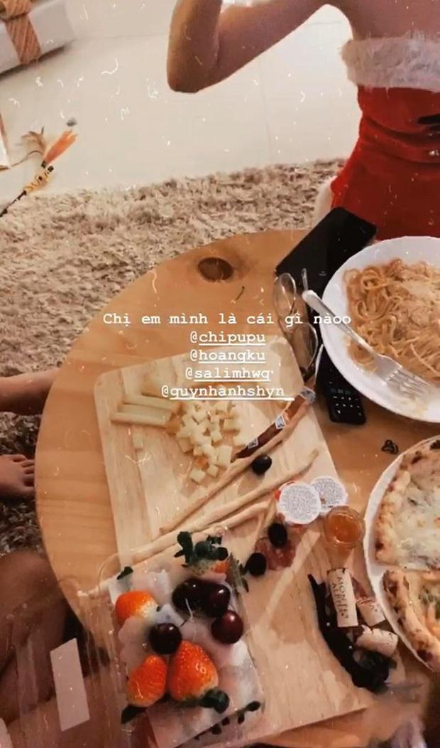 Đang tiệc quẩy Noel, hội chị em Chi Pu lại rủ nhau ăn… bánh chưng rán: Chẳng hiểu là Giáng sinh hay Tết nữa! - Ảnh 8.