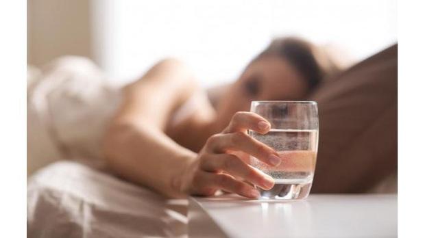 Chỉ phụ nữ sống thọ mới có hết 6 thói quen này vào buổi sáng: Nếu bạn có đủ thì xin chúc mừng! - Ảnh 2.