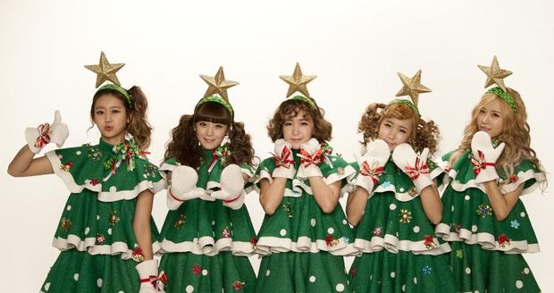 Idol Hàn lên đồ Giáng Sinh: Orange Caramel đi vào huyện thoại; gây sốc nhất là Jinhwan, Jonghyun - Ảnh 6.