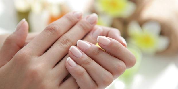Những dấu hiệu nhìn là thấy của bệnh ung thư ác tính trên bàn tay và bàn chân mà rất nhiều người bỏ qua - Ảnh 2.
