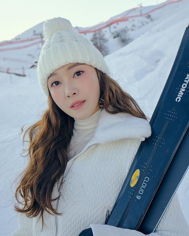 Mùa đông sang chảnh của công chúa băng giá Jessica ở trời Tây: Sáng check in view khủng, chiều trượt tuyết nhìn mà mê - Ảnh 6.