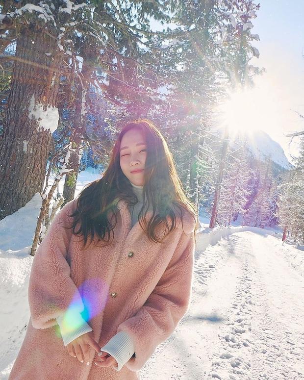 Mùa đông sang chảnh của công chúa băng giá Jessica ở trời Tây: Sáng check in view khủng, chiều trượt tuyết nhìn mà mê - Ảnh 8.