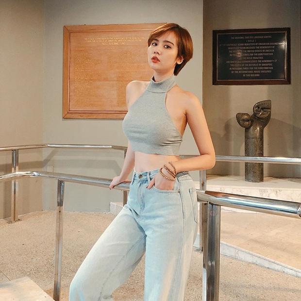 Street style sao Việt: Huyền Lizzie - Sĩ Thanh dẫn đầu bảng nhờ combo crop top - jeans xanh vừa cá tính lại hết sức sexy - Ảnh 10.