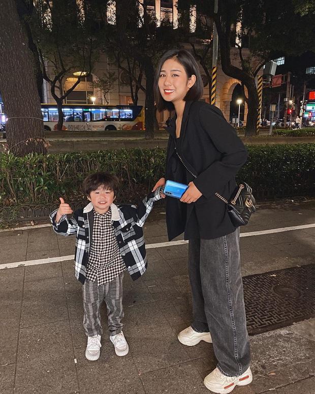 Street style sao Việt: Huyền Lizzie - Sĩ Thanh dẫn đầu bảng nhờ combo crop top - jeans xanh vừa cá tính lại hết sức sexy - Ảnh 13.