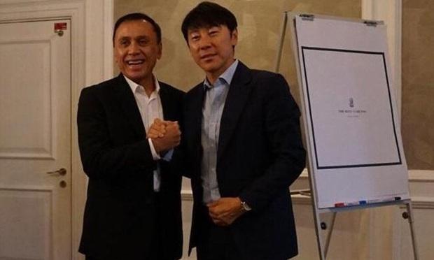 Học theo Việt Nam, Indonesia thuê HLV Hàn Quốc đáng gờm: Là bạn của ông Park Hang-seo, từng dẫn dắt Son Heung-min và đồng đội làm chuyện chấn động thế giới ở World Cup 2018 - Ảnh 1.
