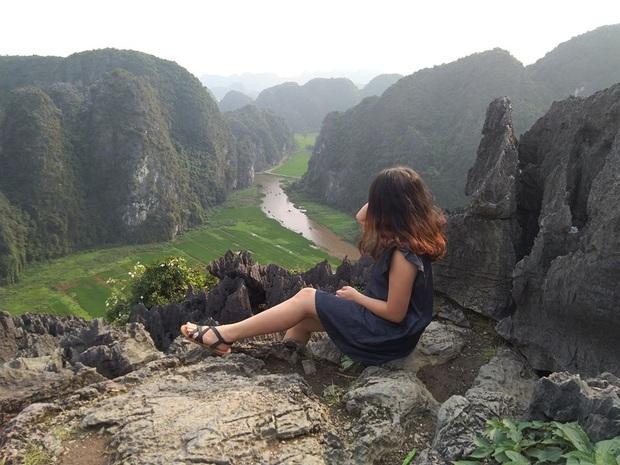 Cô gái miền Tây lên FB tìm nhà tài trợ để chuẩn bị đi bộ xuyên Việt gần 2,500km trong 51 ngày: Dân mạng lập tức chia 2 phe - Ảnh 3.