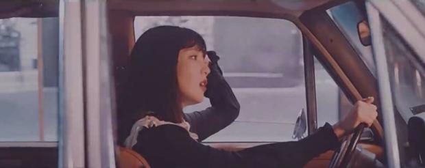 Loạt thuyết âm mưu thuyết phục cho thấy Psycho tiếp tục ẩn ý tình yêu đồng giới của Red Velvet kéo dài từ MV Bad boy? - Ảnh 21.